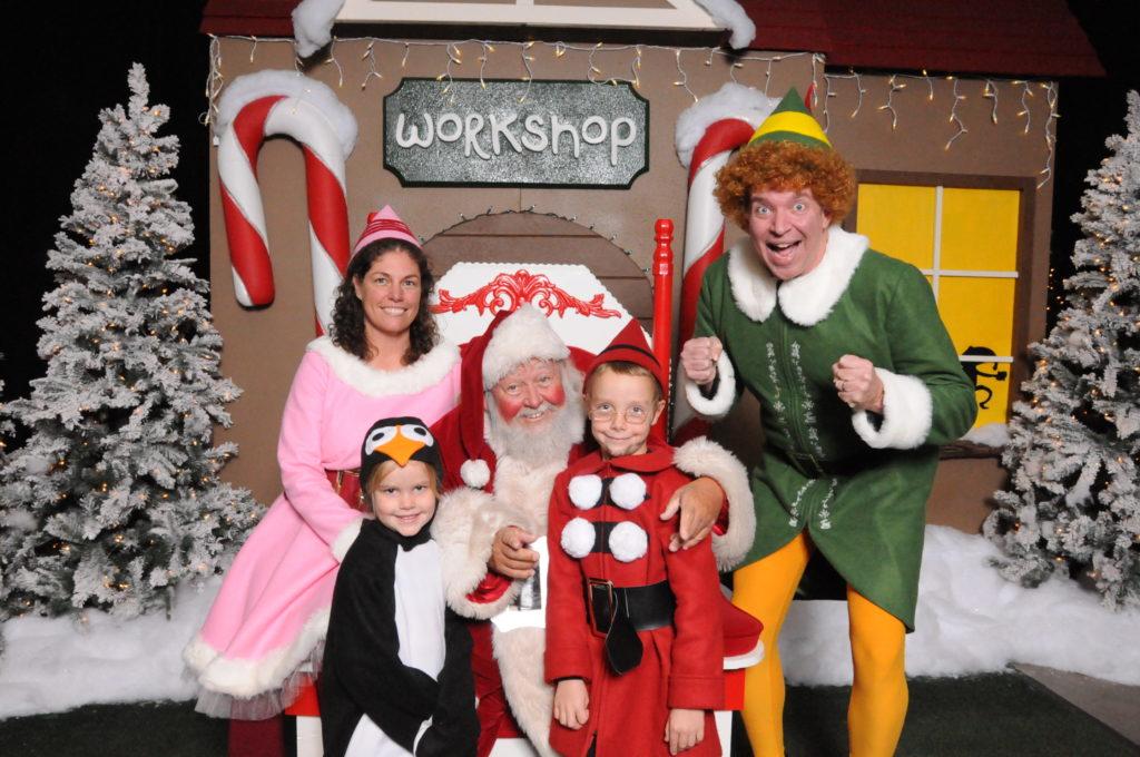 Buddy_the_Elf_Family_w_Santa